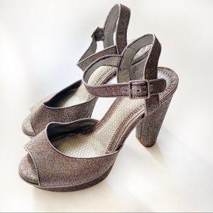 Gianni Bini silver platform chunky heels glitter
